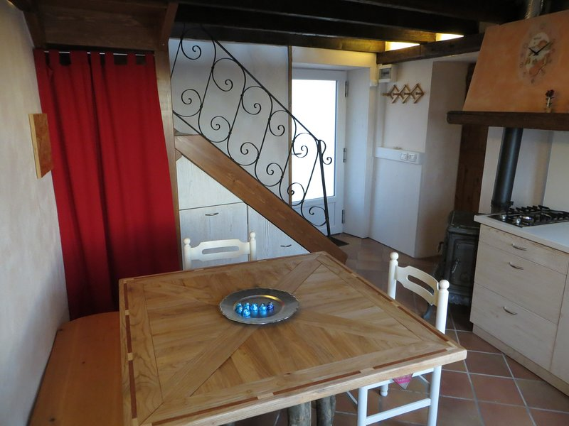 Beewell Tower, holiday rental in Zane