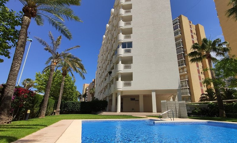Apolo121B Apartment with pool and sea views in second line of the beach in Calpe, holiday rental in Calpe