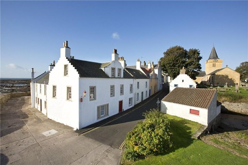 Merchant's House- stunning period home with sea views, holiday rental in Anstruther