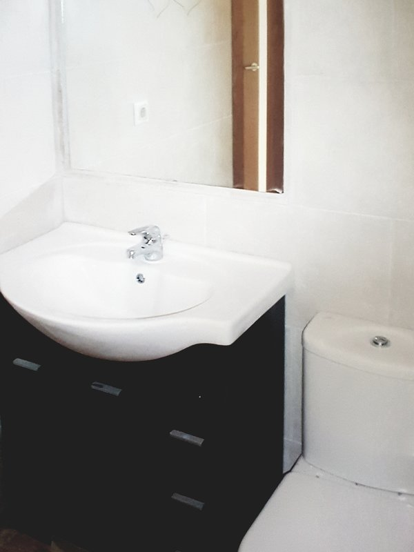Main bathroom - toilet , bidet , sink, bath and shower