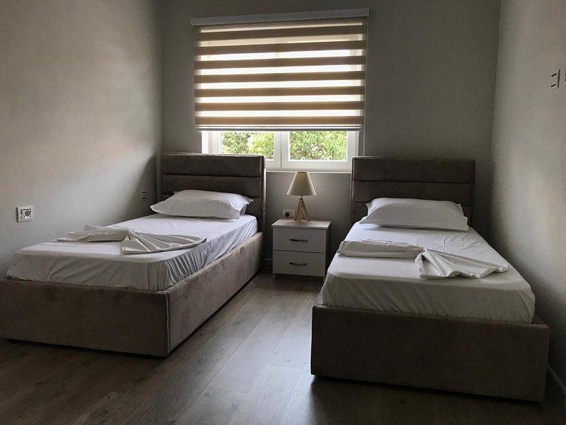 Dafina Central Apartment, alquiler vacacional en Qerek