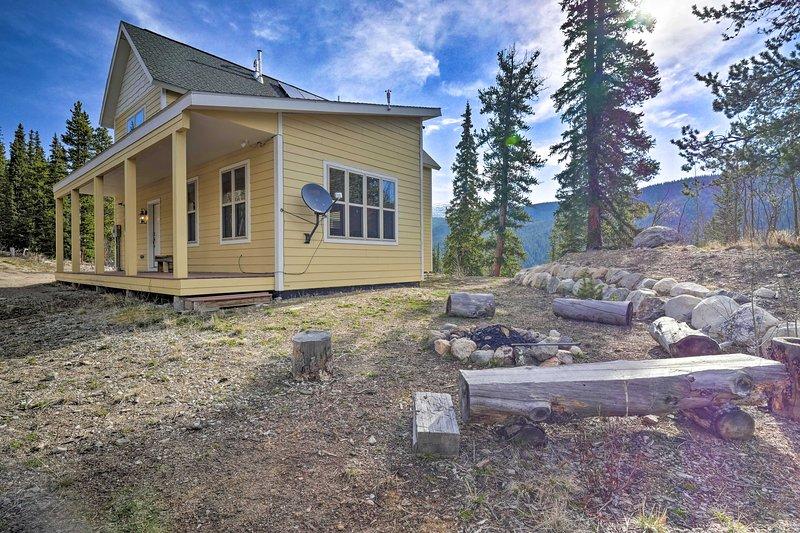 Alma Home w/ Mtn Views ~20 Mi to Breckenridge, holiday rental in Alma