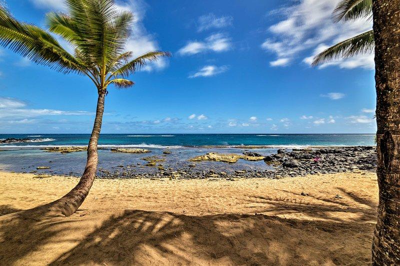 Snorkeling, swimming, and sunbathing await on this slice of paradise!