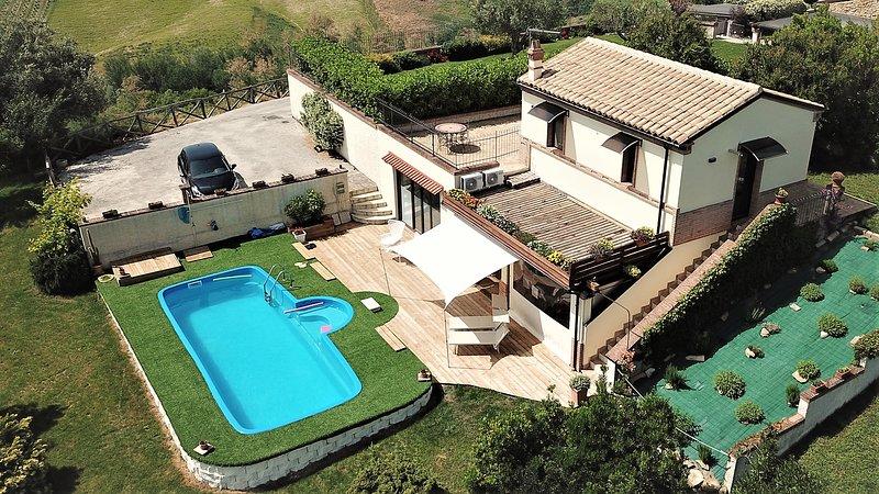Villa Sole Marche, vacation rental in Belvedere Ostrense