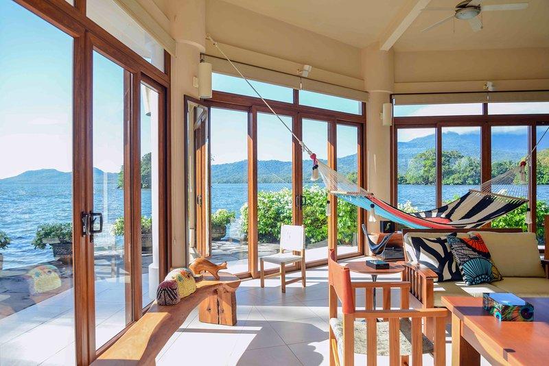 Vista 360 en la villa del lago y las islas. Una hamaca hecha a mano única!