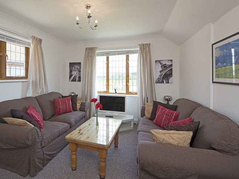 Hill Top Cottage, holiday rental in Newport