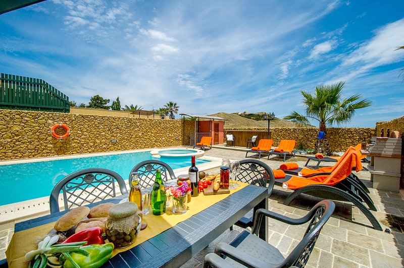 Erika The Holiday Home, vacation rental in Ghasri
