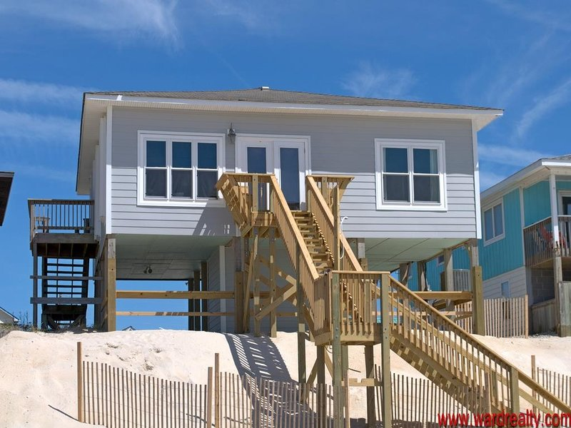 3 Bedroom, Oceanfront - Moondoggy, location de vacances à Surf City