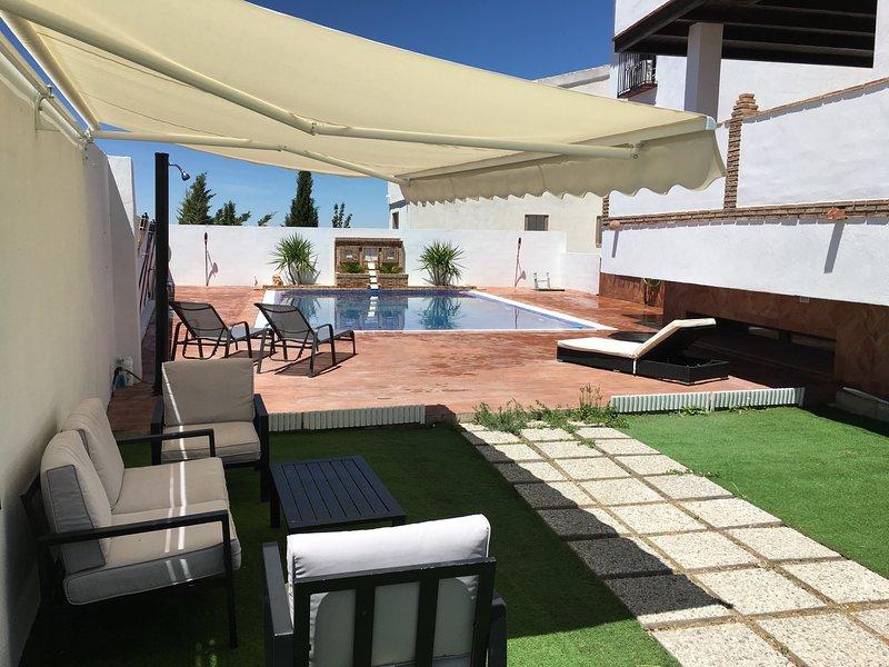 Amazing villa with swimming-pool, alquiler vacacional en Dílar