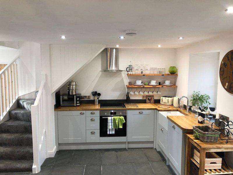 Hermosa cocina totalmente equipada con todas las instalaciones que necesita.