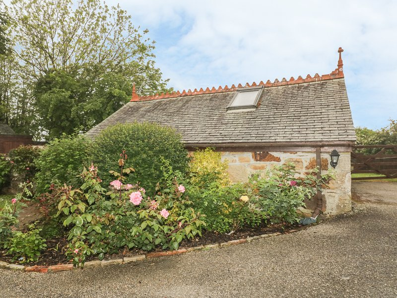 LITTLE PRICKLE, near Quintrell Downs, holiday rental in Colan