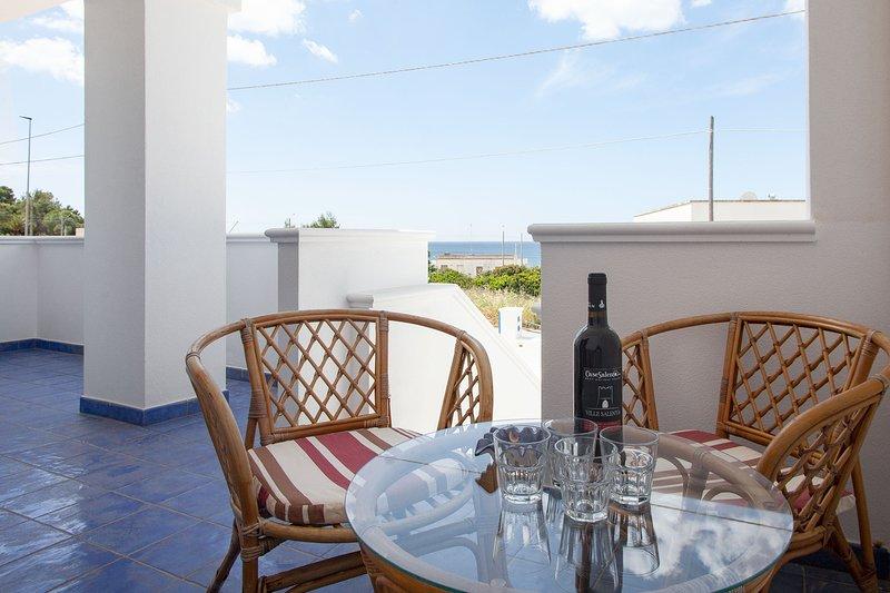 Casa vista mare climatizzata vicino spiaggia m603, vacation rental in Torre Vado