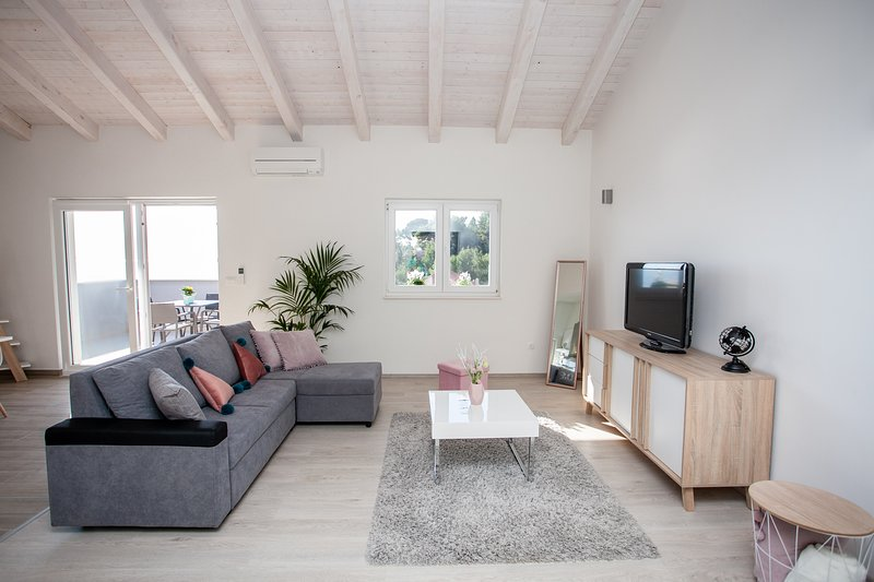 Luxury Sea View Apartment, vakantiewoning in Jesenice