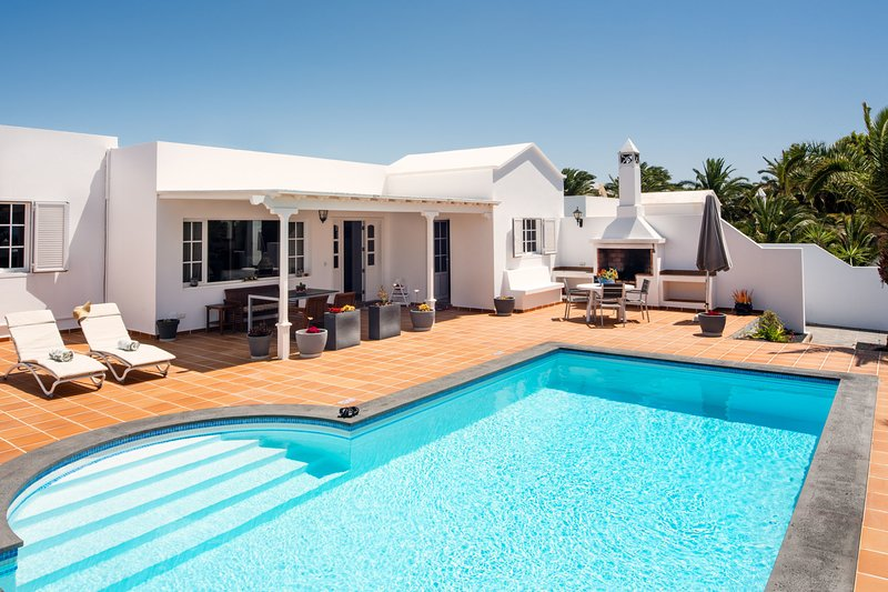 Villa Manuela | Detached villa in the exclusive marina of Puerto Calero, vacation rental in Puerto Calero