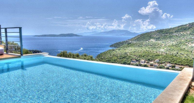 Villas with sea view (sleeps 14), location de vacances à Sivota