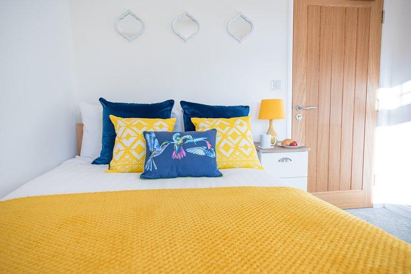 KVM - Sunshine Apartment, holiday rental in Ramsey