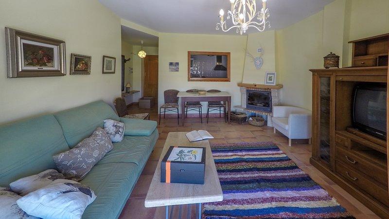 Bonito apartamento en el centro del pueblo, para disfrutar de plena naturaleza, location de vacances à Sorbas
