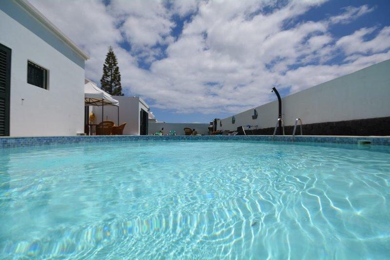 Villa Nirvan con piscina, alquiler de vacaciones en Playa Blanca