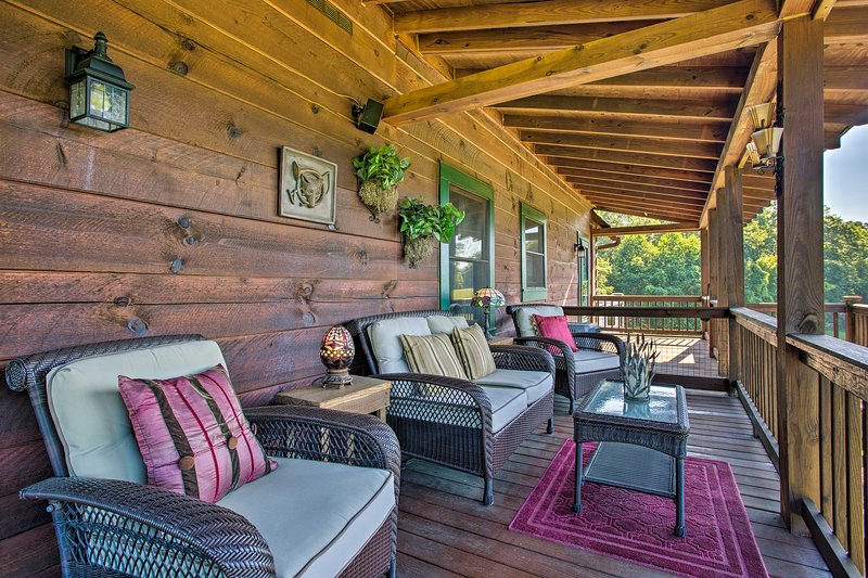 Kick back surrounded by Blue Ridge Mountain bliss at this Mill Spring cabin!