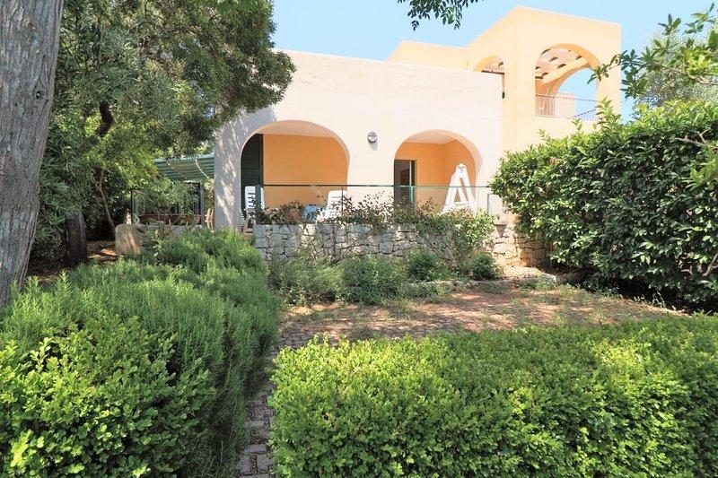Bella Vista holiday home in Santa Cesarea Terme in Salento, holiday rental in Santa Cesarea Terme