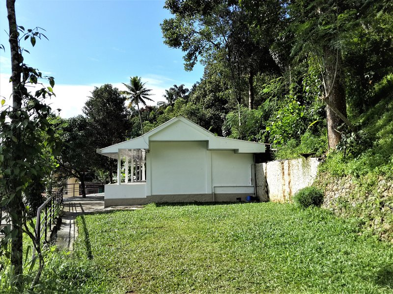 M3 Homes Munnar Patio Double Room, holiday rental in Kunjithanny