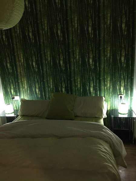 BAMBOU ROOM with Asian style décore and a balcony, holiday rental in San Isidro de Albatera