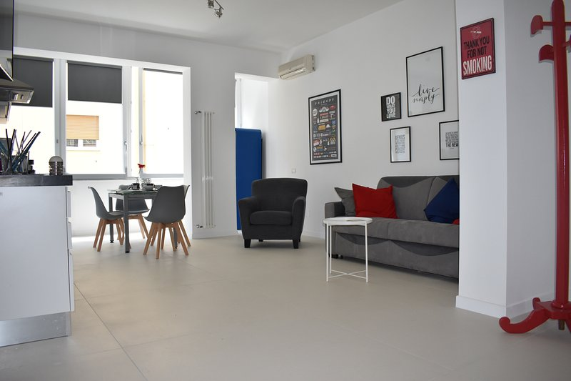 THE LOFT - vomero, holiday rental in Marano di Napoli