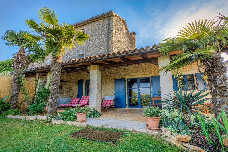 Villa Paradiso traditionals Istrian house, alquiler vacacional en Umag