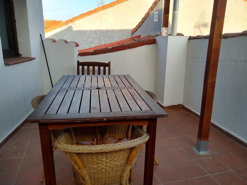 Apartment with mountain view, vacation rental in San Martin de Valdeiglesias