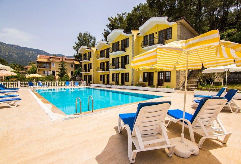 Begonvillas Apartments A3, holiday rental in Hisaronu