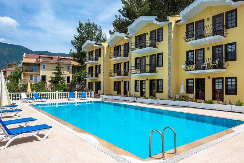 Begonvillas Apartments A5, holiday rental in Hisaronu