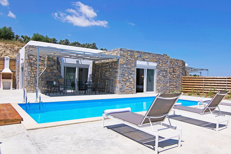 Private Pool,Great location & Views 1, holiday rental in Mesi