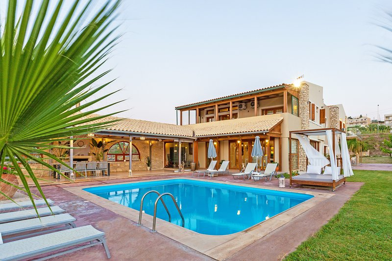 6 Bedroom,Beach Front,Great Views, holiday rental in Sfakaki