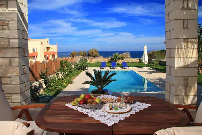 Beach & All amenities,No car needed, vacation rental in Sfakaki