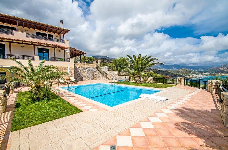 Great views,Pool,Next to amenities, holiday rental in Frangokastello