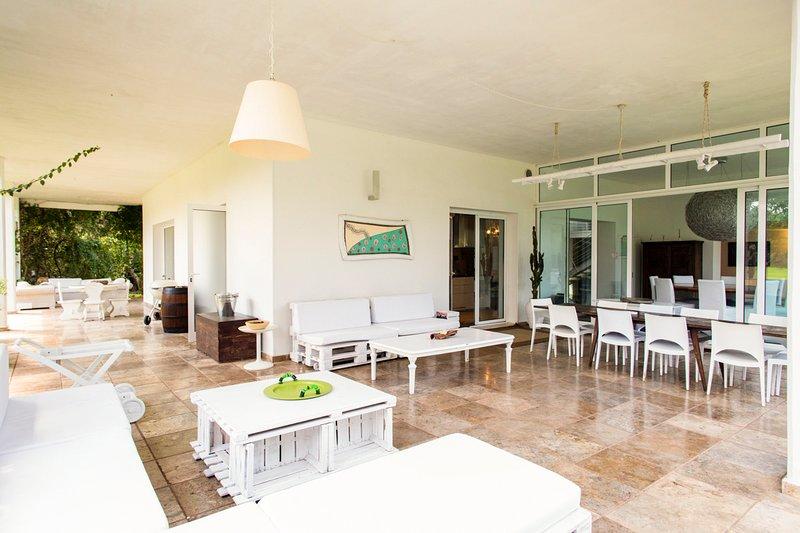 Melendugno Villa Sleeps 10 with Pool and Air Con - 5806557, casa vacanza a Vernole