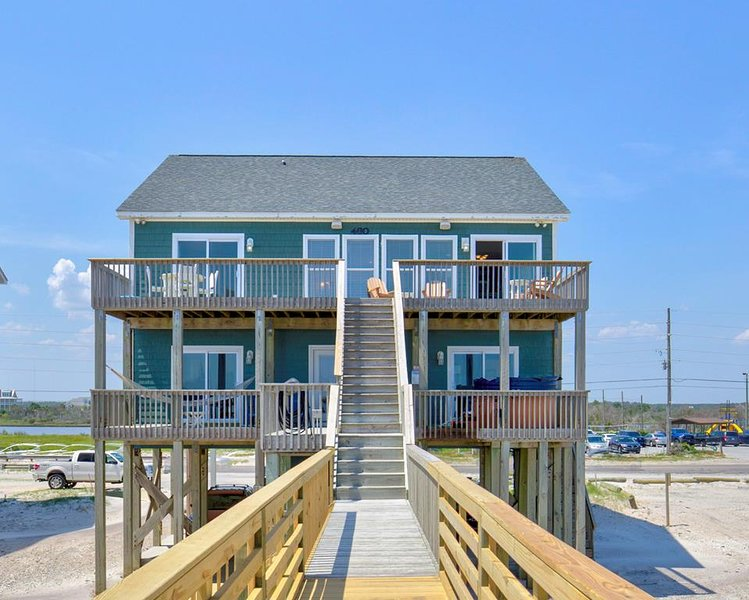 New River Inlet Rd 460 Oceanfront! | Hot Tub, Jacuzzi, Internet, Pet Friendly, Ferienwohnung in North Topsail Beach