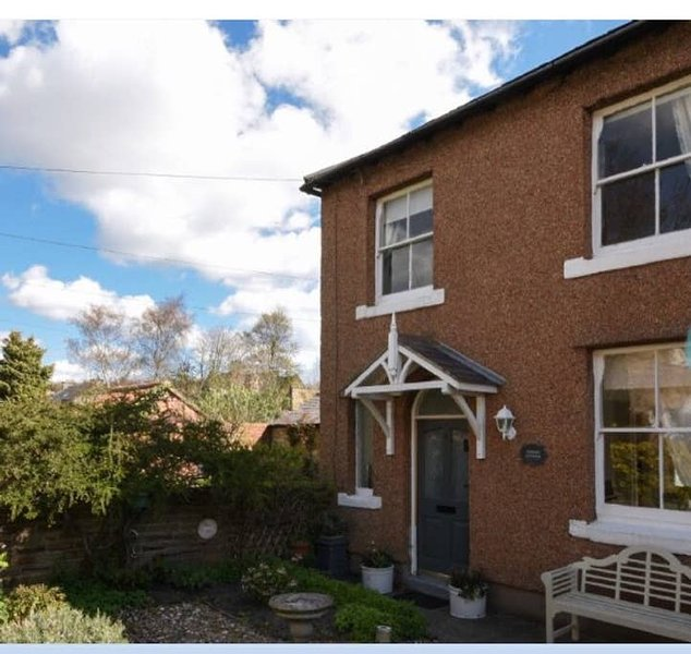 Topiary Cottage, Warkworth, holiday rental in Guyzance