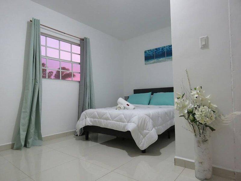 Car & Apartment Sun Rise and Sun Set, holiday rental in Santa Catharina