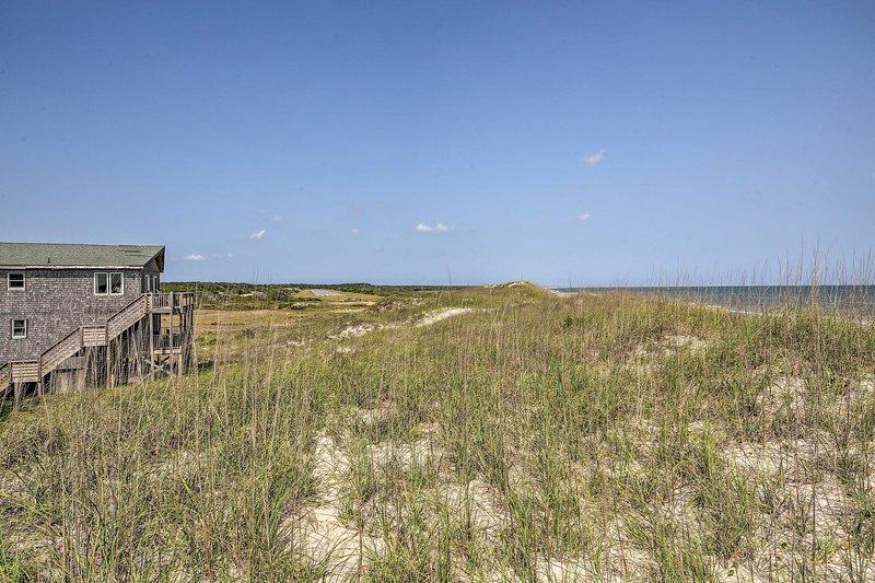 Te encantará lo fácil que es caminar hasta la playa desde este alojamiento.