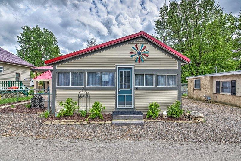 Originalmente construído na década de 1940, esta casa é parte das casas originais do lago!