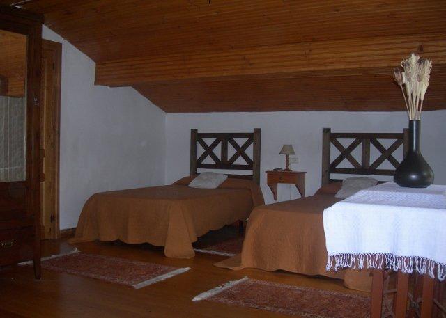 Casa en la aldea el collau, holiday rental in Cardes