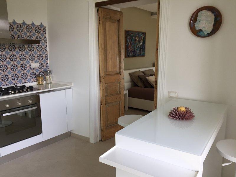 Appartamento in Costiera Amalfitana con piscina e parcheggio privato, holiday rental in Vietri sul Mare