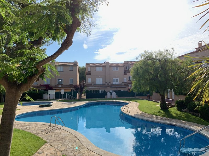 APARTAMENTO ALTAFULLA, holiday rental in La Riera de Gaia