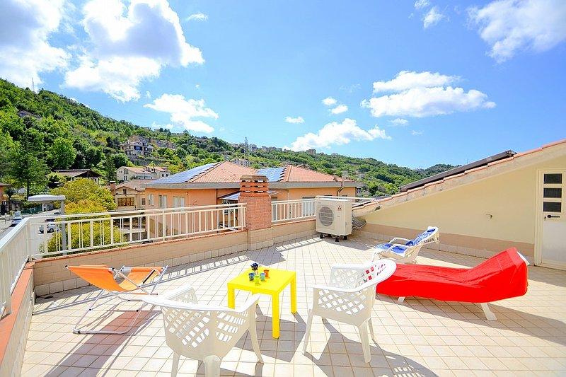 Ogliastro Cilento Villa Sleeps 4 with Air Con and WiFi - 5806731, vacation rental in Giungano