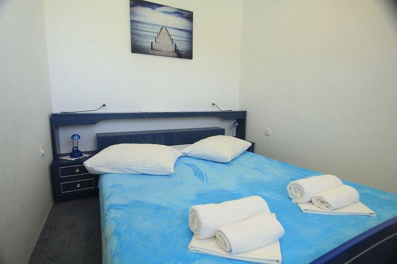 A4 (2 + 2): camera da letto