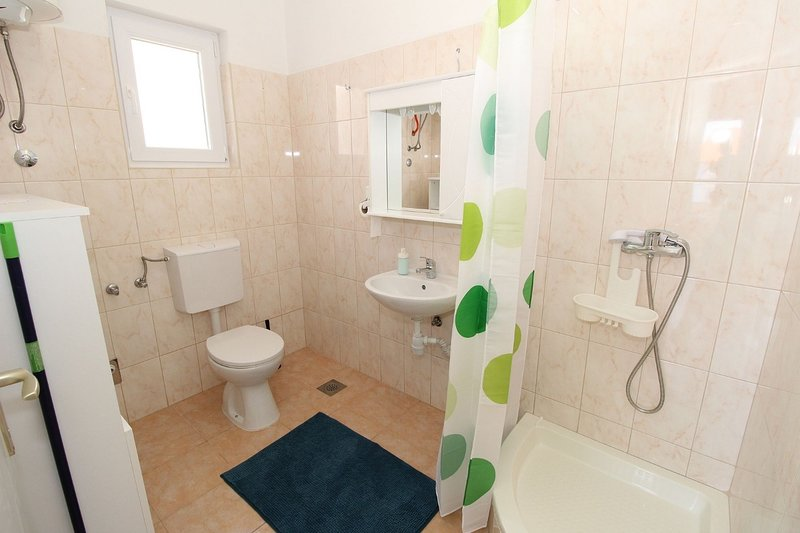 A1-kat(2+2): bathroom with toilet