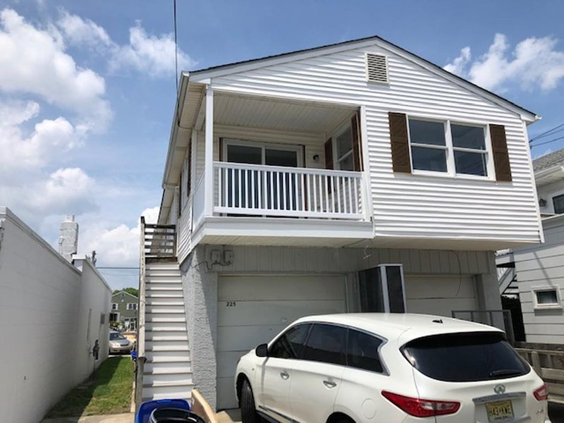 225 West Avenue 2nd Floor Rear 142106, vacation rental in Somers Point