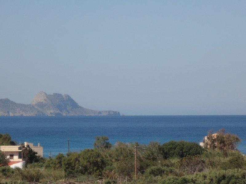 Bei Dimos - apartment with sea view, aluguéis de temporada em Agia Paraskevi