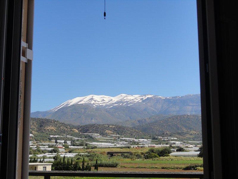 Bei Dimos - apartment with mountain view, aluguéis de temporada em Agia Paraskevi